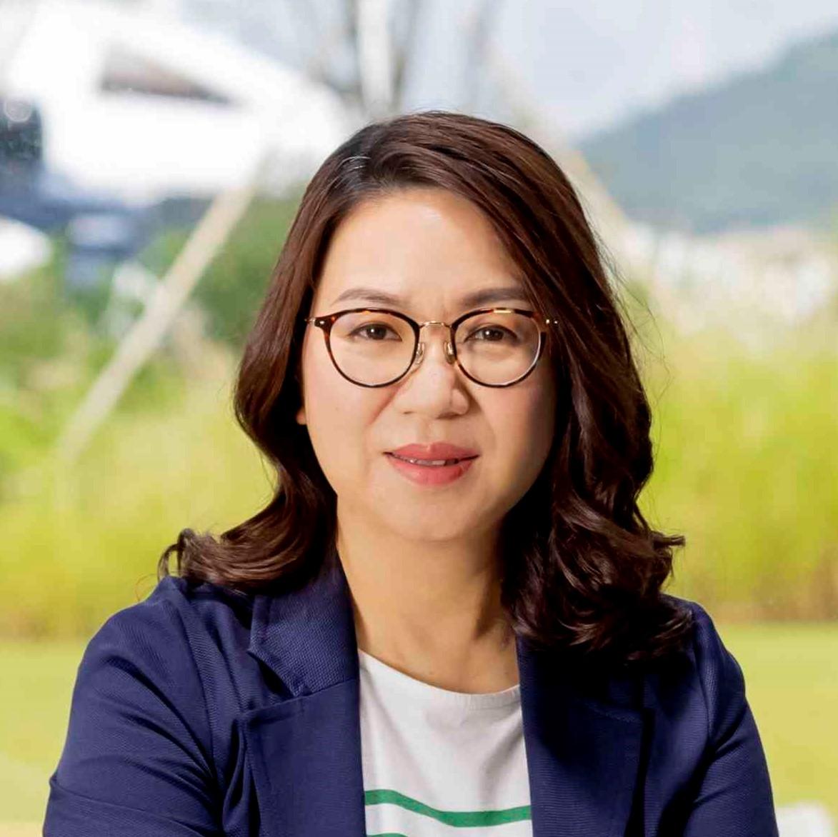 Charlotte Ho